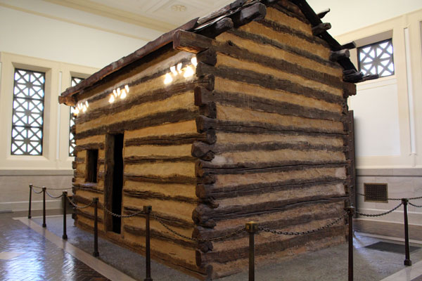 Lincoln Cabin Replica